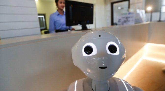 Robby, il primo robot concierge in Italia
