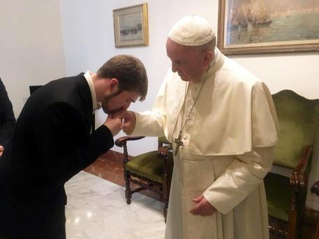 Alfie Evans, anche Bergoglio chiede 'liberazione'