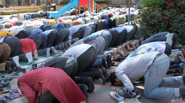Firenze: quartiere ostaggio dei musulmani, negozi chiusi per Ramadan