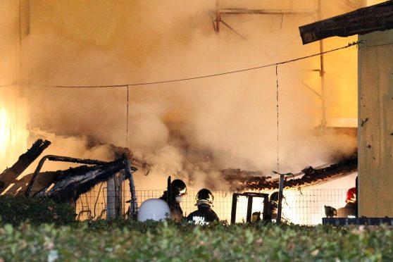 Profugo insoddisfatto incendia centro accoglienza, distrutto