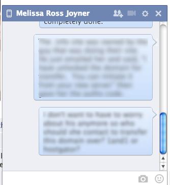 """Facebook ammette: """"Spiamo conversazioni private"""""""