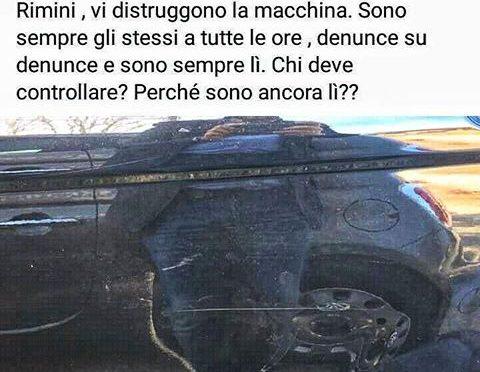 Non dà pizzo a parcheggiatore abusivo, auto vandalizzata