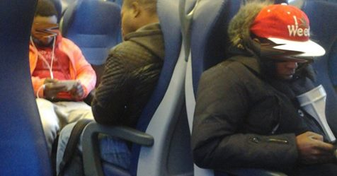 Trento: richiedenti asilo gratis su treni e bus, pagano contribuenti
