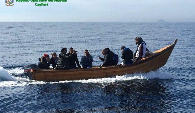 Riprendono sbarchi di Algerini in Sardegna: eccoli