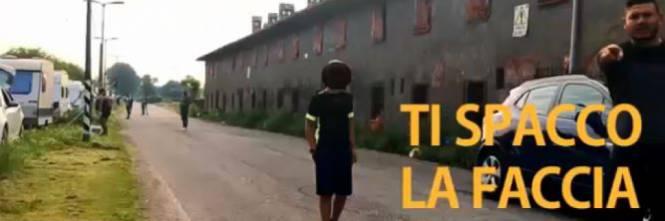 Zingari chiudono pista ciclabile: aggredito chi prova a passare – VIDEO