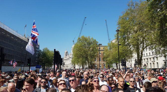 Londra: grande manifestazione identitaria contro la censura dei social network