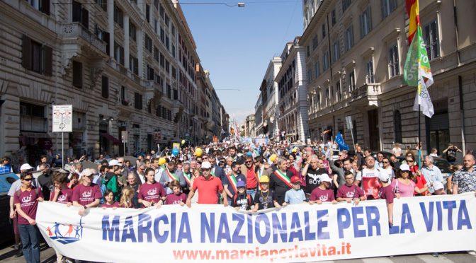 Aborto, a Roma la Marcia per la vita in nome degli italiani mai nati