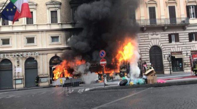 Raggi 3,8 milioni agli Zingari e i bus bruciano