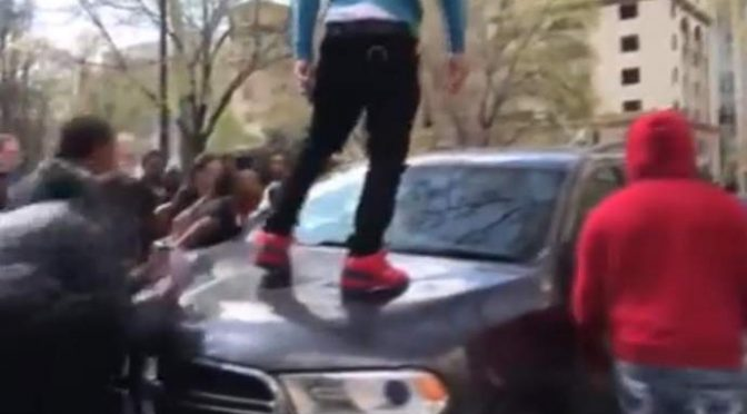 Milano, due vigili urbani accerchiati e pestati da 15 senegalesi
