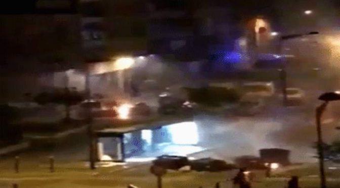Guerra: 30 immigrati attaccano commissariato armati di molotov – VIDEO