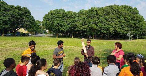 Profughi faranno lezioni ai bambini delle elementari, tutto organizzato dal PD di Modena