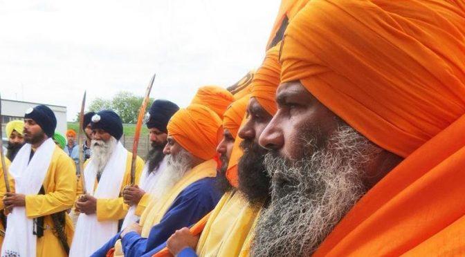 Polemica, Sikh sfilano armati a Verona