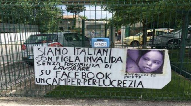 Bimba italiana in camper nella città dove vescovi e governo danno case agli africani
