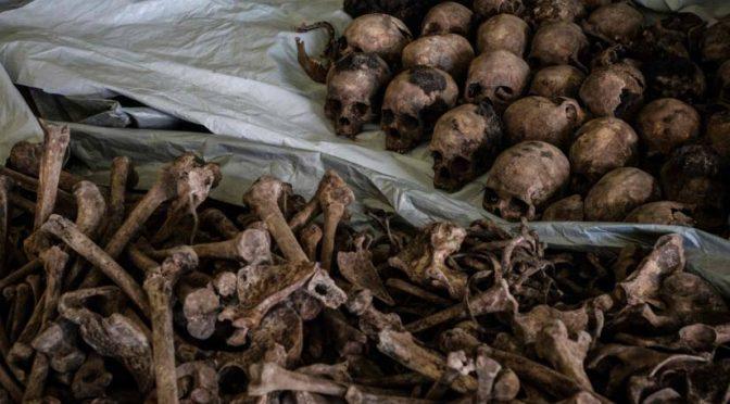 Ruanda, riaffiorano le fosse comuni della guerra razziale