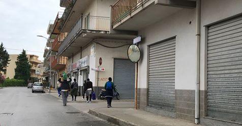 """Profughi fuggono da hotel: """"E' troppo isolato e inadeguato"""""""