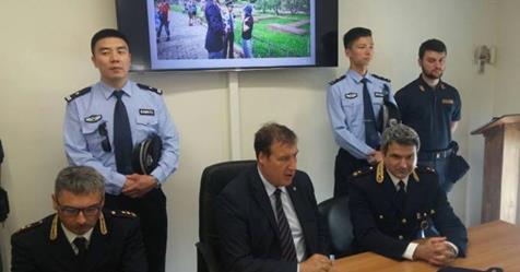 Arrivano i poliziotti cinesi a Prato, sconcerto tra italiani