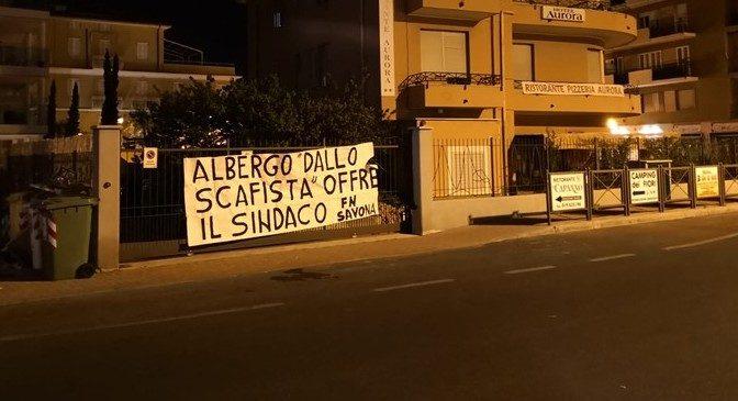 Sindaco snobba famiglia italiana, 40 profughi in hotel