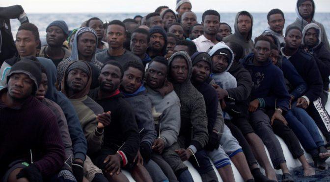 Centinaia di clandestini su 15 imbarcazioni assaltano coste spagnole