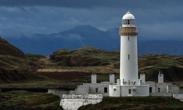 Scozia: isola comprata da 5 dei suoi 6 abitanti per non farla cadere in mani arabe