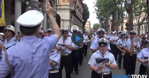 Torino, la banda comunale in testa al Gay Pride – VIDEO