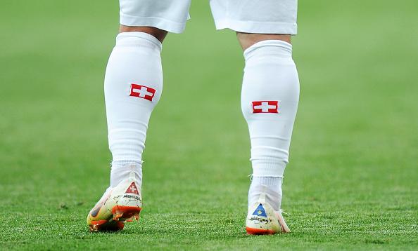 Bufera sullo svizzero per interesse Shaqiri: bandiera kosovara sugli scarpini