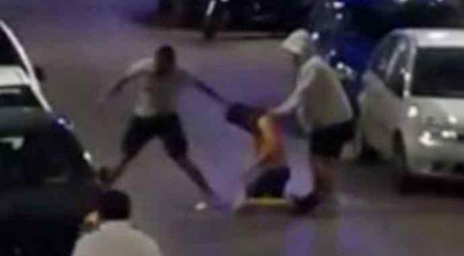Padova, gang di 40 immigrati pesta e rapina adolescenti italiani – VIDEO
