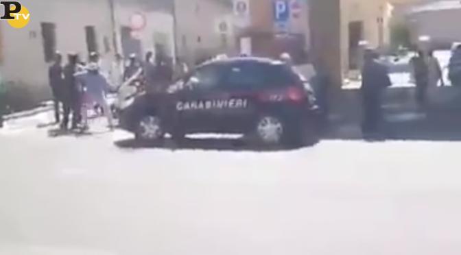 Nuove violenze africane a Pisa, carabinieri picchiati da spacciatori