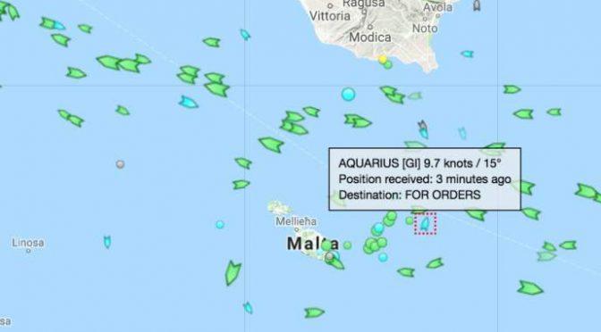Acquarius: nave Ong sfida Salvini e punta verso Italia