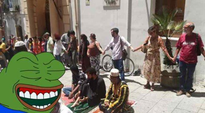 Alla manifestazione per i migranti si presentano in 30
