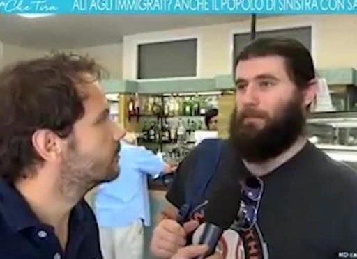 I comunisti di Bologna si schierano con Salvini, circolo Arci li caccia