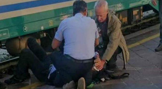 Capotreno picchiato selvaggiamente da immigrato senza biglietto – FOTO