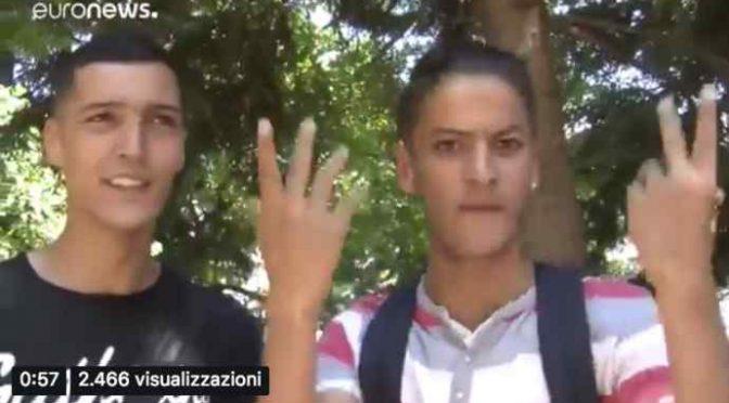 """Clandestini esigono di entrare in Italia: """"Aprite le frontiere"""" – VIDEO"""