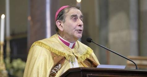 """Arcivescovo: """"Cristiani non possono essere contro immigrazione"""", e Chiesa si svuota"""