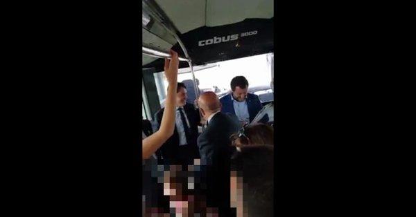 """Brindisi, arriva Salvini e i sindacalisti Cgil intonano """"Bella ciao"""" – VIDEO"""
