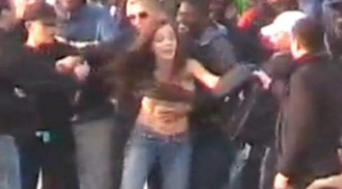 Africano abbranca e tenta di violentare 14enne: rischia il linciaggio della folla inferocita