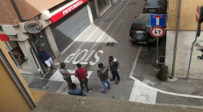 Scandalo a Padova: italiani costretti a pagare il pizzo a immigrati per vivere