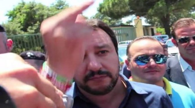 "Salvini in ""no-go-zone"" Bari, PD: ""Non provochi immigrati"""