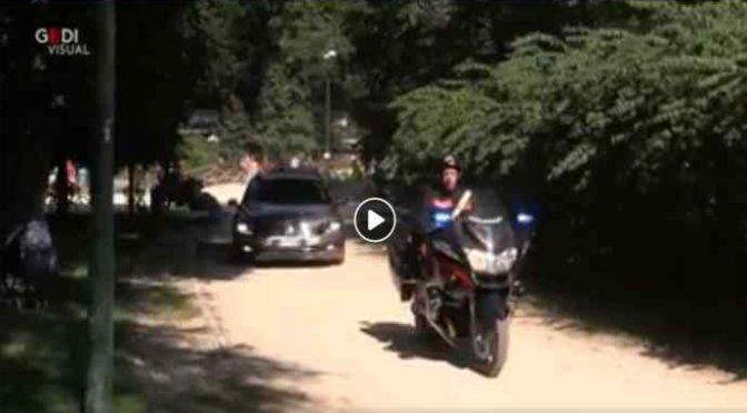 Saviano arriva alla festa con la scorta di un capo di Stato – VIDEO