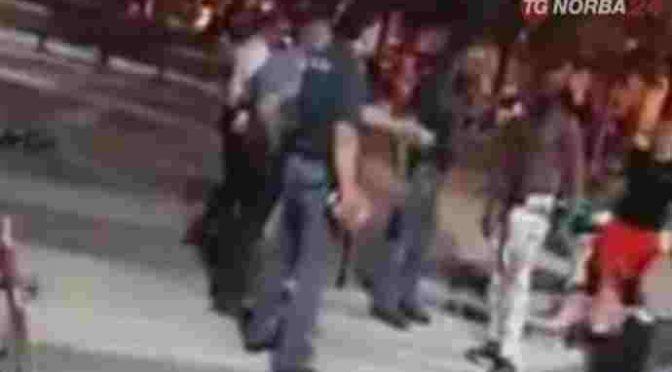 Profughi armati di mazze scatenano guerriglia urbana – VIDEO