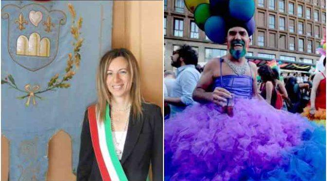 Questo sindaco denuncia 2 gay: comprati bimbi all'estero