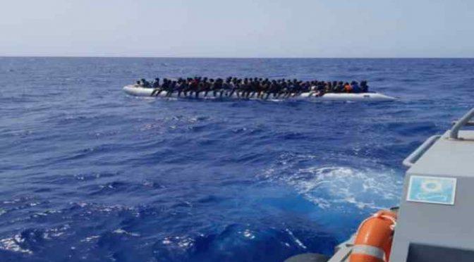 Libici riportano indietro 156 clandestini, Ong furiose