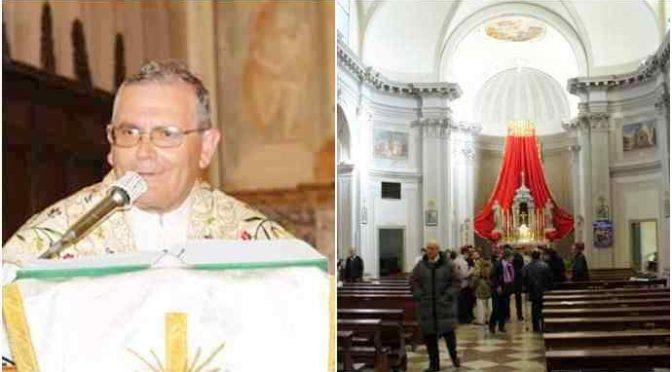 Prete attacca Salvini durante Messa, fedeli se ne vanno!