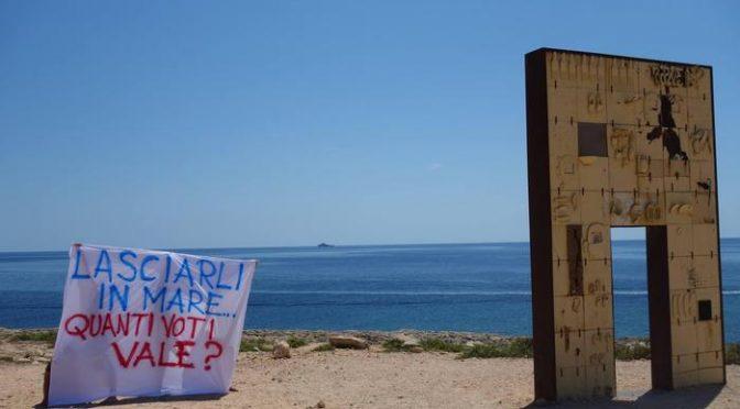 Lampedusa, alla protesta contro Salvini si presenta solo lo striscione – FOTO