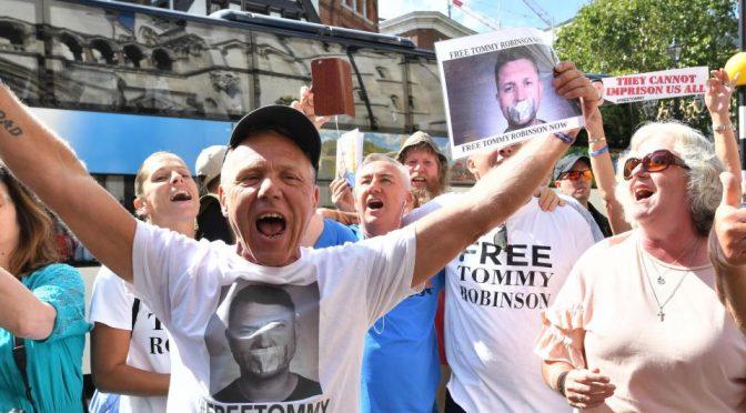 Il patriota Tommy Robinson liberato