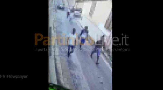 Bambino italiano pestato dai profughi a Partinico, tutto confermato