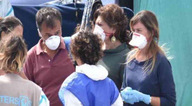 Poliziotti saliti su Diciotti curati per Tubercolosi