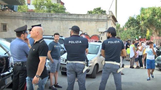 Vogliono sgomberare famiglie italiane per fare posto ai Rom, resistenza – VIDEO