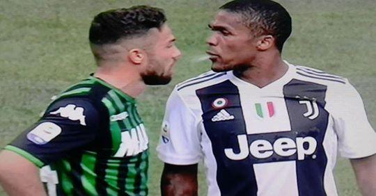 Douglas Costa, alla fine si deve scusare Di Francesco