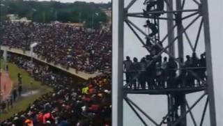 Gambia, troppi africani allo stadio: ritardato il match