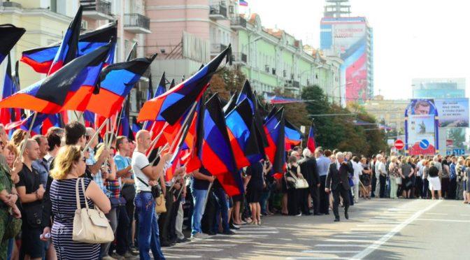Donetsk, folla oceanica a funerale leader filo-russo
